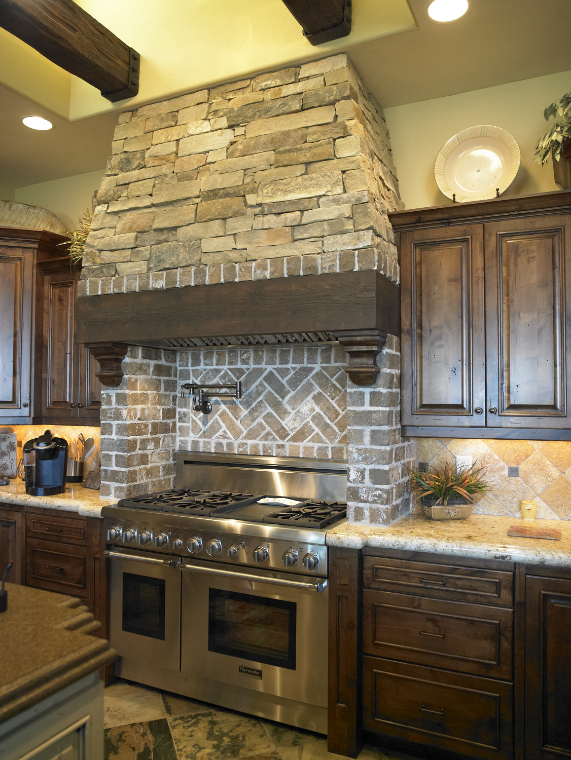 What You Need To Know About Stacked Stone Use Natural Stone