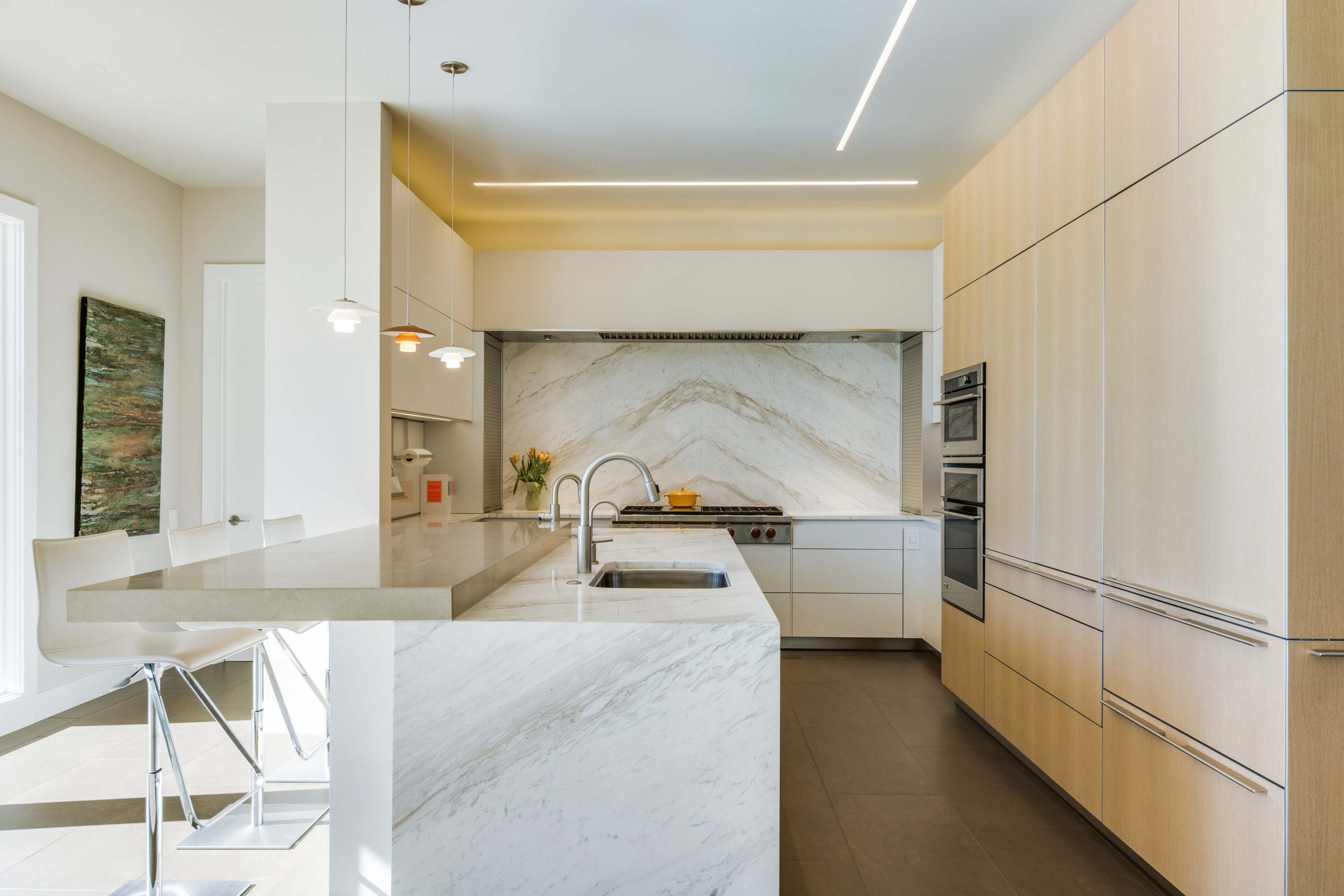 Making A Splash In The Kitchen With Natural Stone Backsplashes Use Natural Stone