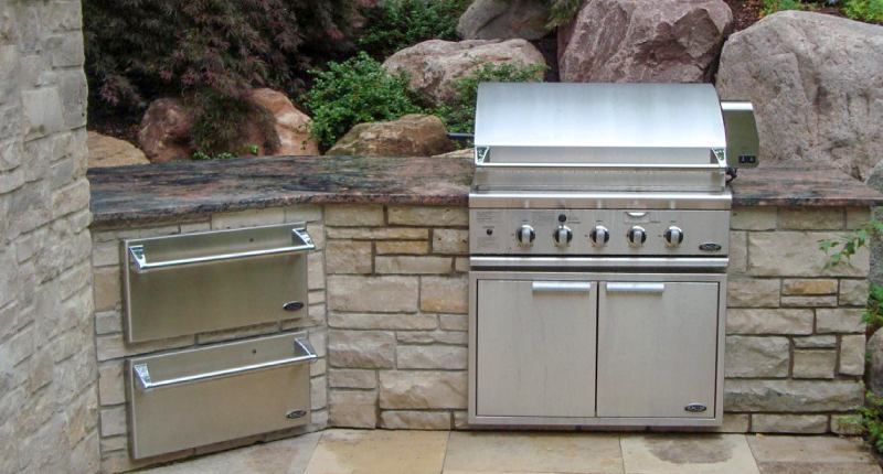 Designing Outdoor Kitchens With Natural Stone Use Natural Stone